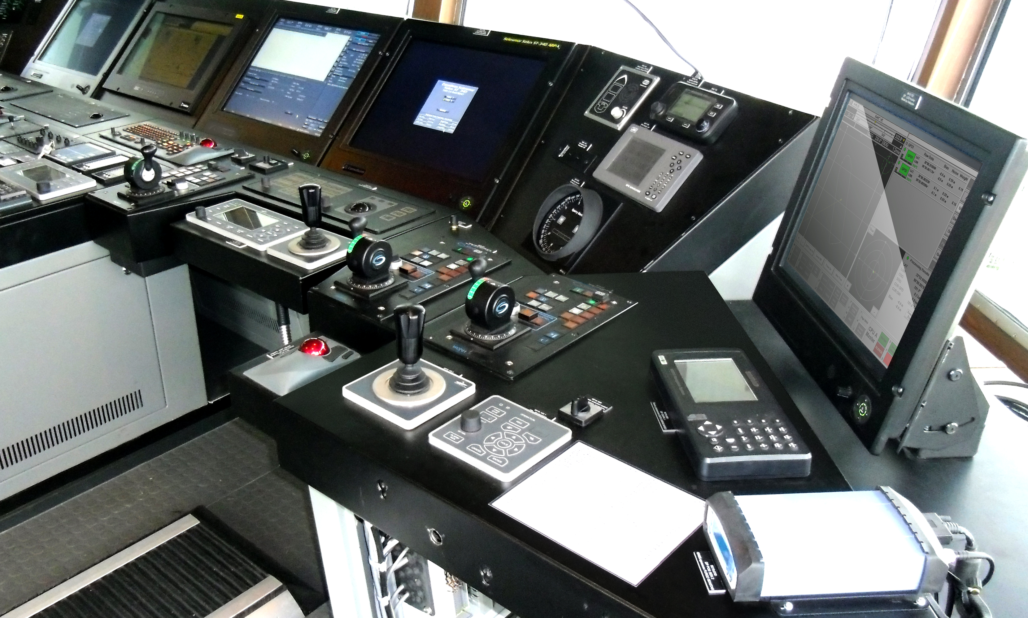 Dp System And Autopilot For Icebreaker Baltika Yellow