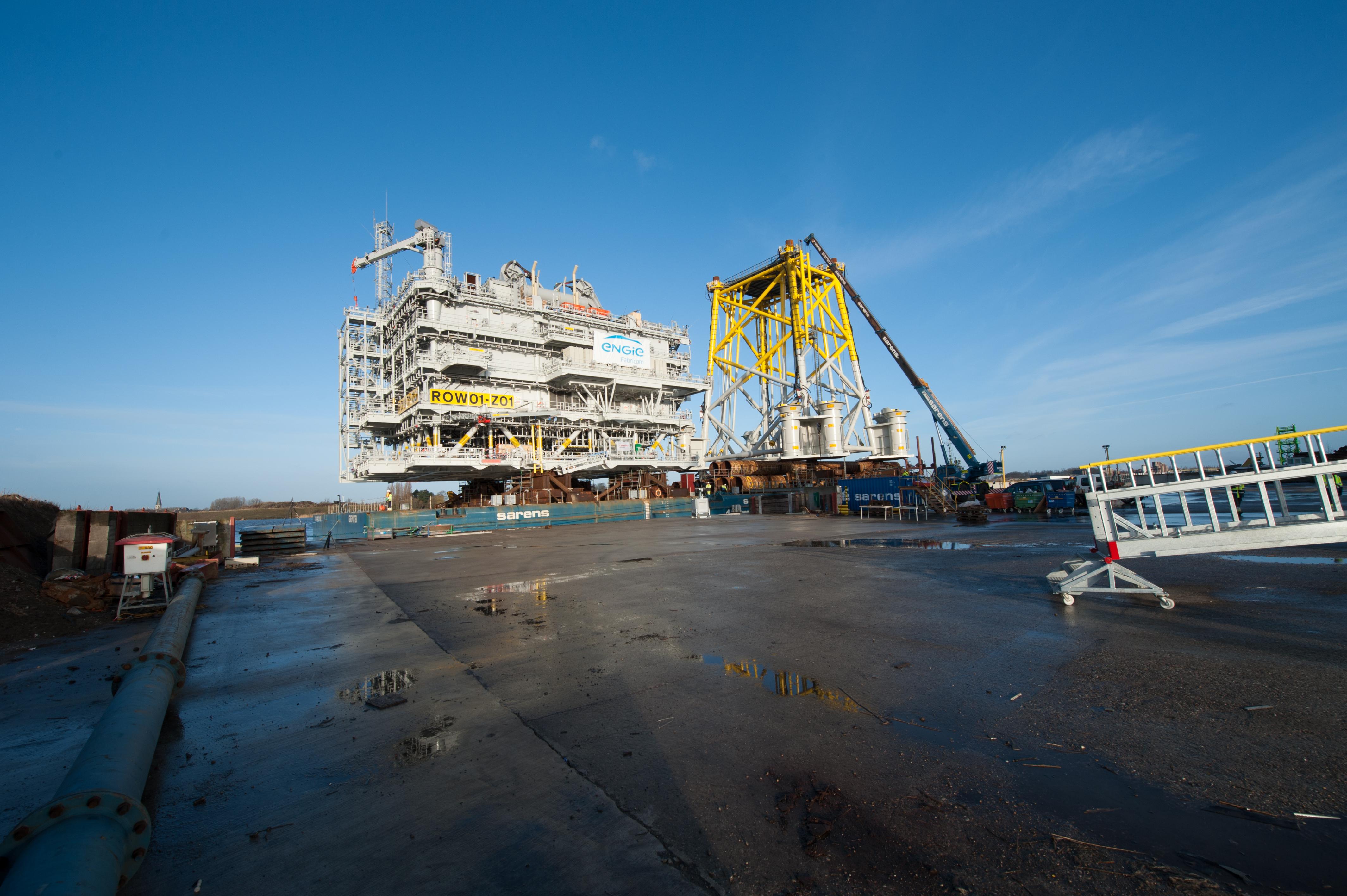 Offshore Substation for Race Bank Windfarm Leaves Port of ...