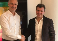 Paul Staal, Managing Director for Conbit (l) and Mark Harries, Global Managing Director for ALE (r)