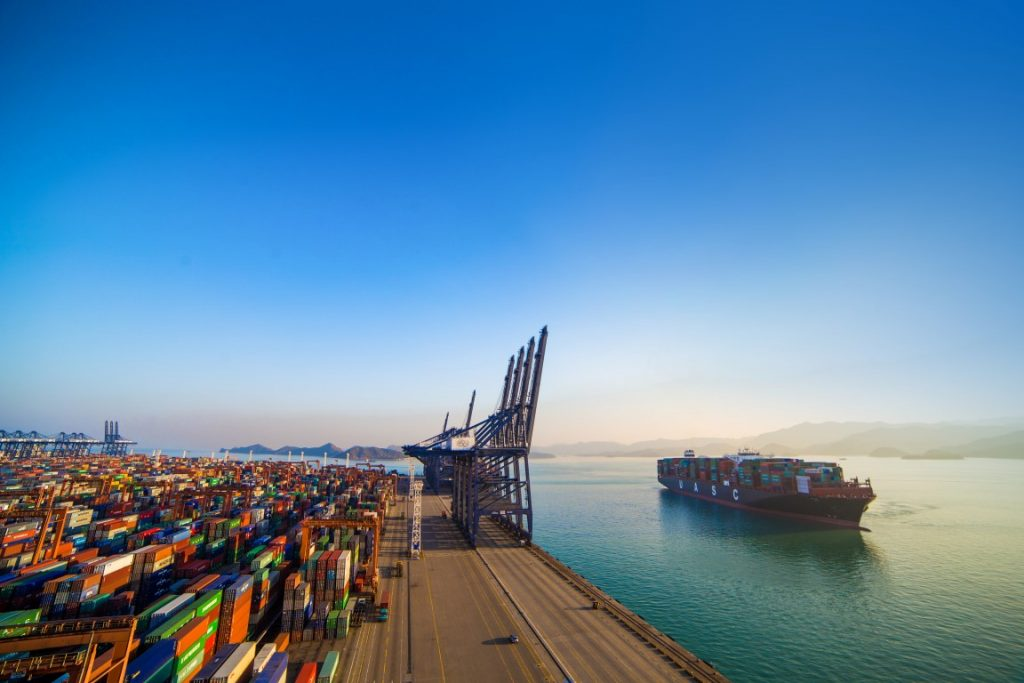 Hapag-Lloyd pilot gas-conversion leads the way for emissions reduction and decarbonisation